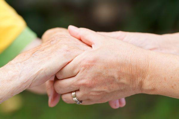 Alzheimer et les aides matérielles et financières