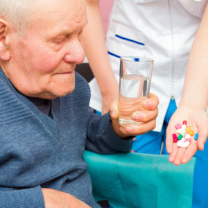 Coronavirus & Alzheimer : gérer les traitements durant le confinement