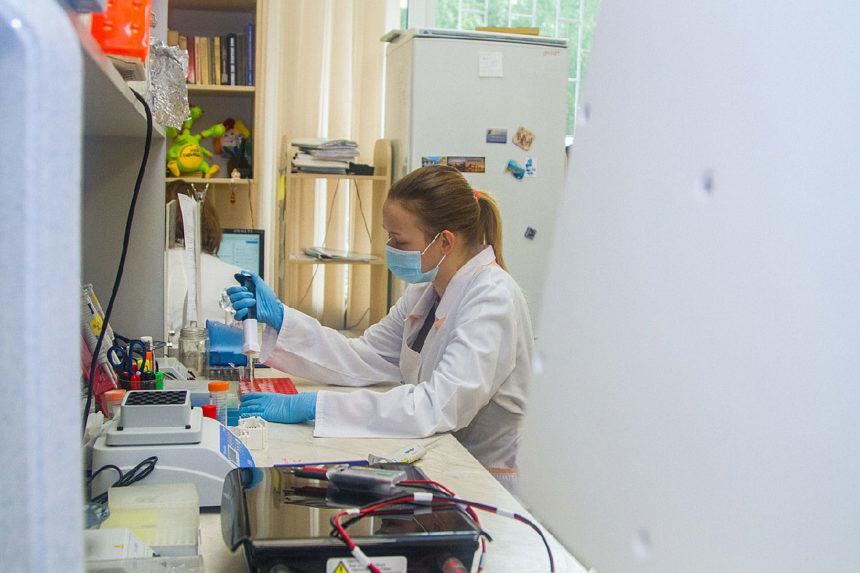Candidat médicament Aducanumab : la première immunothérapie capable de ralentir le déclin cognitif sur le marché en mars 2021 ?